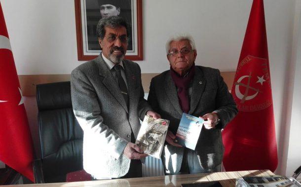 25 Aralık 2017 tarihinde Köy Enstitüsü Mezunu Emekli Milli Eğitim Bakanlığı Müfettişi, Araştırmacı Yazar ve Şair Sayın Şahin EREN'in Şubemizi Ziyareti