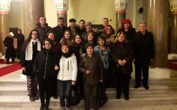 30 Aralık 2018'de Yönetim ve Üyelerimizle birlikte Küçük Tiyatro'da sahnelenen Gidiş, Dönüş (Retro) Oyunu izleme faaliyeti gerçekleştirilmiştir.