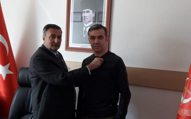 28.02.2019'da Şubemize Üyelik İçin Müracaat Eden Mehmet MERCİMEK'e TEMAD Rozeti Takılmıştır.